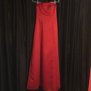 Red Strapless bridesmaid gown